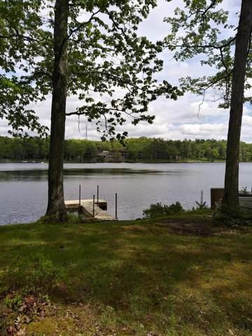 135 Nannas Pl, Hawley, PA 18428 (MLS #18-5325) :: McAteer & Will Estates | Keller Williams Real Estate