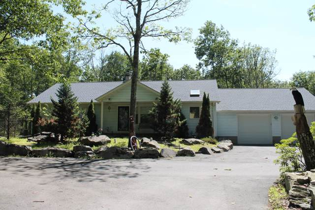 156 Hillview Pl, Shohola, PA 18458 (MLS #19-2843) :: McAteer & Will Estates | Keller Williams Real Estate