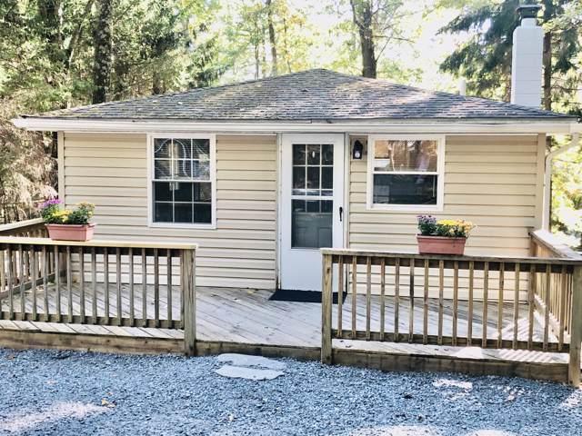 145 Hemlock Dr, Dingmans Ferry, PA 18328 (MLS #19-4598) :: McAteer & Will Estates | Keller Williams Real Estate