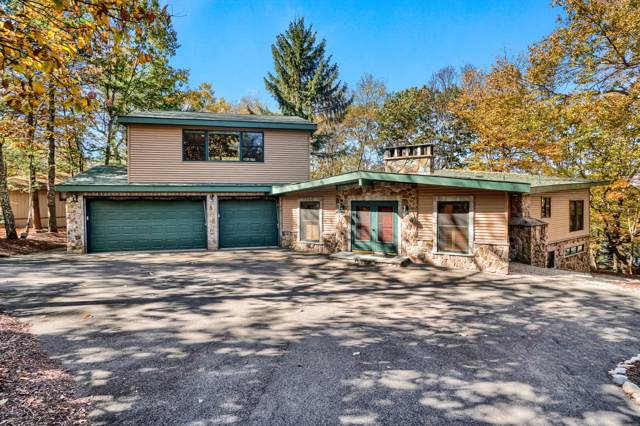 136 Broadmoor Dr, Lords Valley, PA 18428 (MLS #19-4704) :: McAteer & Will Estates | Keller Williams Real Estate