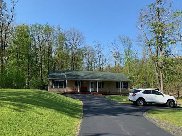 102 Orchard Dr, Hawley, PA 18428 (MLS #20-1553) :: McAteer & Will Estates | Keller Williams Real Estate