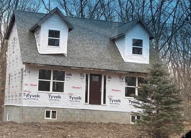 108 Oak Rd, Canadensis, PA 18325 (MLS #20-186) :: McAteer & Will Estates | Keller Williams Real Estate