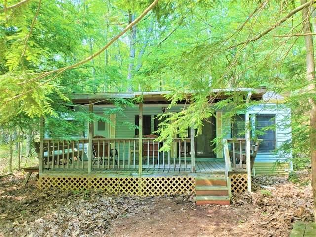 987 Redwood Ln, Shohola, PA 18458 (MLS #20-2177) :: McAteer & Will Estates | Keller Williams Real Estate