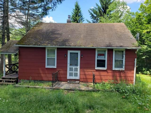 223 Cedar Ln, Greentown, PA 18426 (MLS #20-2178) :: McAteer & Will Estates   Keller Williams Real Estate