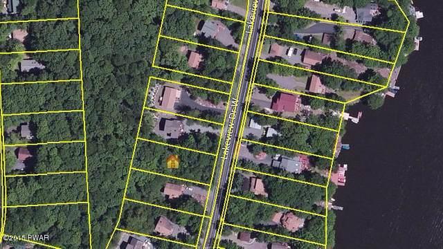 1533 W Lakeview Dr, Lake Ariel, PA 18436 (MLS #20-3048) :: McAteer & Will Estates | Keller Williams Real Estate