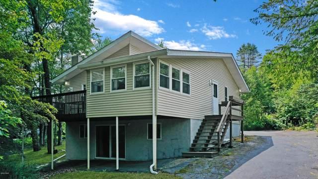 106 Basswood Dr, Hawley, PA 18428 (MLS #20-3061) :: McAteer & Will Estates | Keller Williams Real Estate