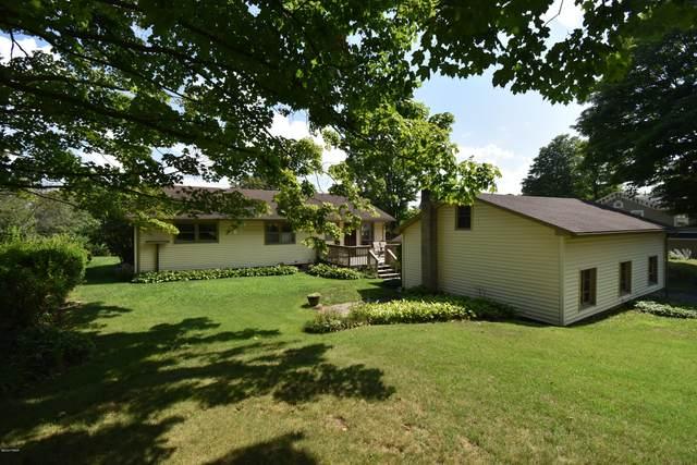408 3Rd St, Milford, PA 18337 (MLS #20-3075) :: McAteer & Will Estates | Keller Williams Real Estate