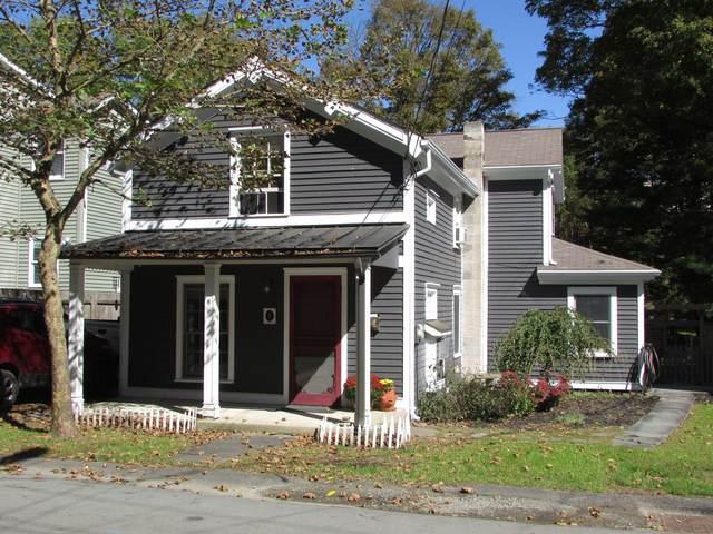 111 Sawkill Ave, Milford, PA 18337 (MLS #20-3100) :: McAteer & Will Estates | Keller Williams Real Estate
