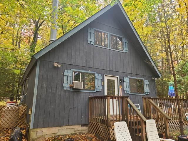17 Oak Ln, Lake Ariel, PA 18436 (MLS #20-4314) :: McAteer & Will Estates | Keller Williams Real Estate