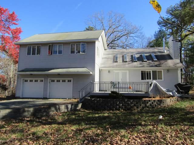 108 Manor Ridge Dr, Shohola, PA 18458 (MLS #20-4597) :: McAteer & Will Estates | Keller Williams Real Estate