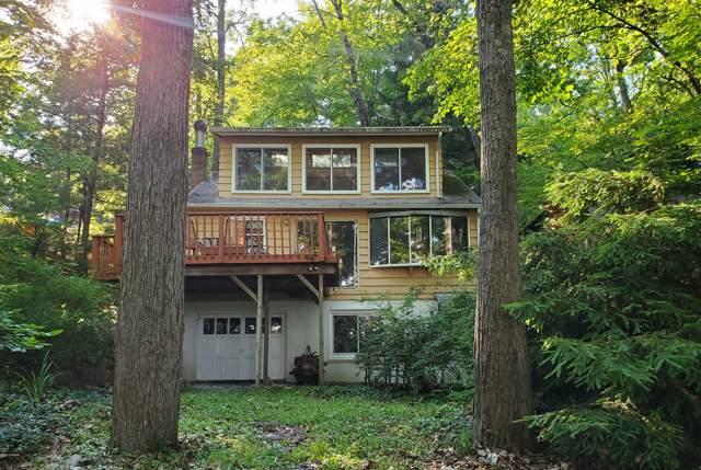 66 Lake Dr, Hawley, PA 18428 (MLS #19-3024) :: McAteer & Will Estates | Keller Williams Real Estate