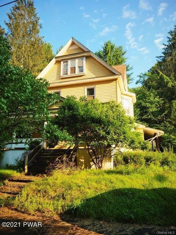 34 Mill St, Jeffersonville, NY 12748 (MLS #21-3705) :: McAteer & Will Estates   Keller Williams Real Estate