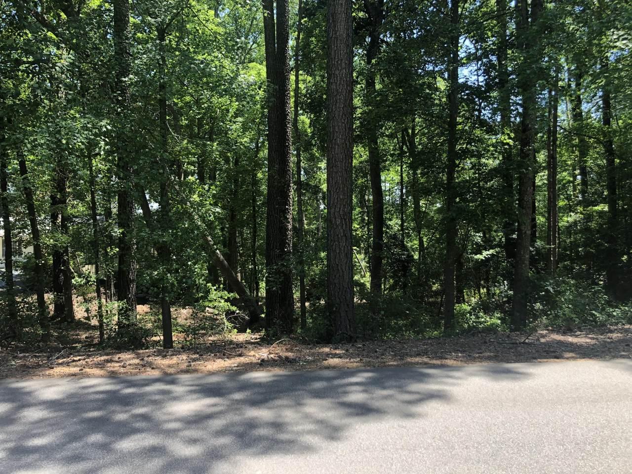215 Lakeview Drive - Photo 1