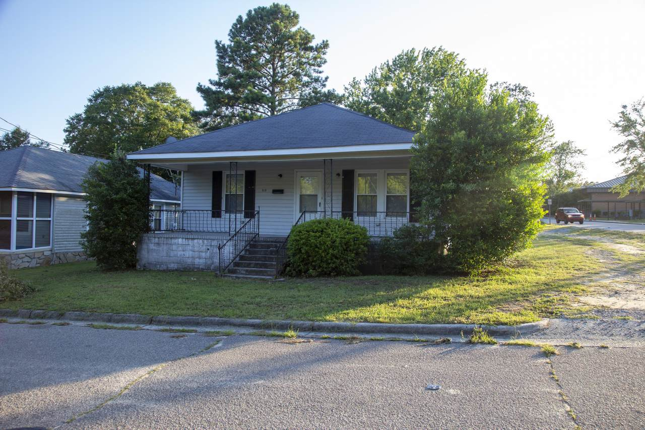 819 Pine Street - Photo 1