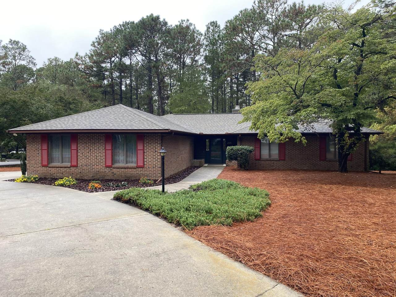 285 Lake Forest Drive - Photo 1