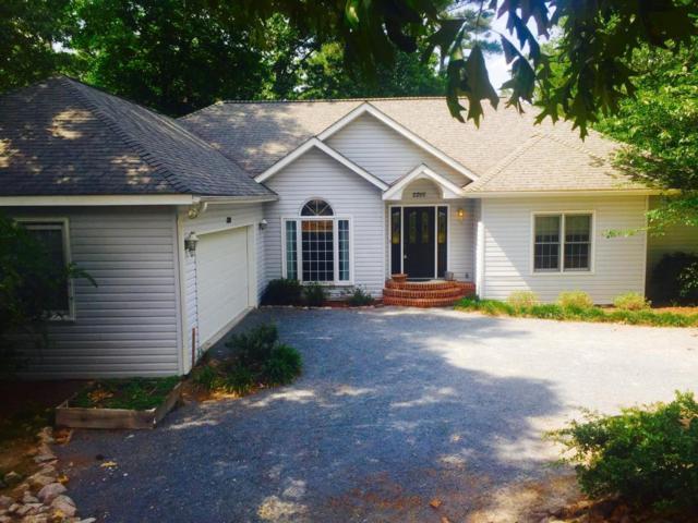 2200 W Longleaf Drive, Pinehurst, NC 28374 (MLS #182778) :: Pinnock Real Estate & Relocation Services, Inc.