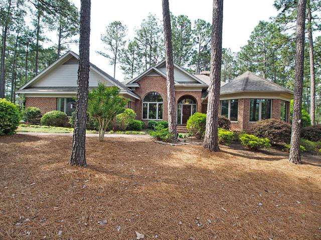 3 Oxton Circle, Pinehurst, NC 28374 (MLS #188491) :: Weichert, Realtors - Town & Country