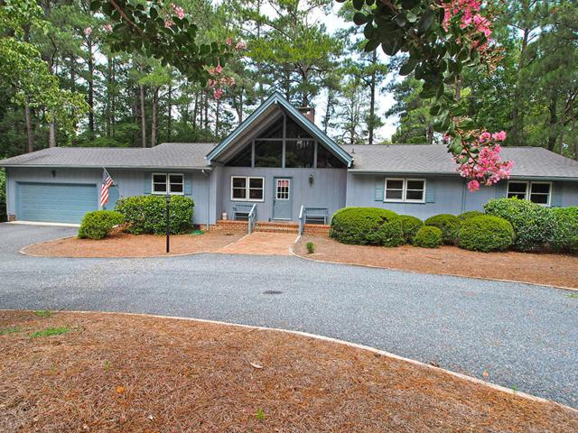 31 Shadow Drive, Whispering Pines, NC 28327 (MLS #189631) :: Weichert, Realtors - Town & Country