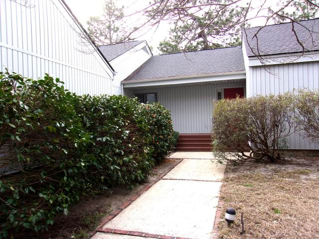 440 Central Drive, Southern Pines, NC 28387 (MLS #198727) :: Pinnock Real Estate & Relocation Services, Inc.