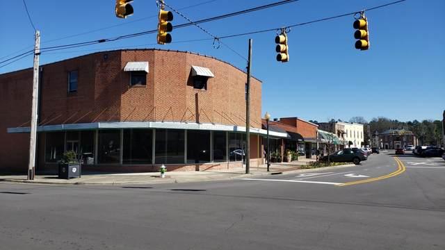 124 W Main Street, Aberdeen, NC 28315 (MLS #199405) :: Pinnock Real Estate & Relocation Services, Inc.