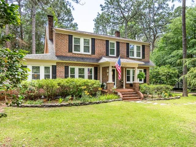 320 E Morganton Road, Southern Pines, NC 28387 (MLS #200483) :: Pinnock Real Estate & Relocation Services, Inc.
