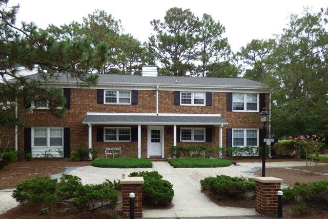 317 Driftwood Circle, Southern Pines, NC 28387 (MLS #202140) :: Pinnock Real Estate & Relocation Services, Inc.