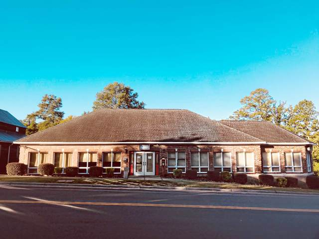 290 W Pennsylvania Avenue, Southern Pines, NC 28387 (MLS #202622) :: Pinnock Real Estate & Relocation Services, Inc.