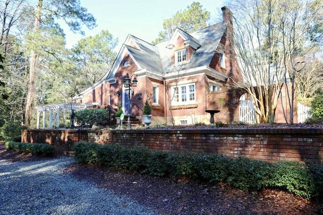 140 Pinegrove Road, Southern Pines, NC 28387 (MLS #203934) :: Pines Sotheby's International Realty