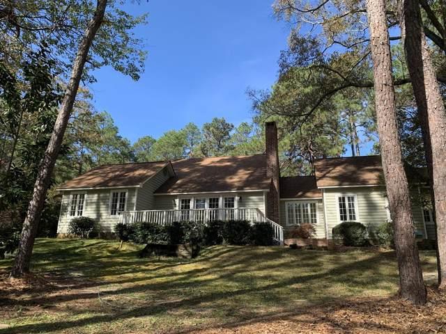 235 Old Dewberry Lane Lane, Southern Pines, NC 28387 (MLS #204352) :: Towering Pines Real Estate
