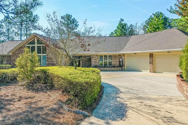 6 W Fur Court, Pinehurst, NC 28374 (MLS #204905) :: Towering Pines Real Estate