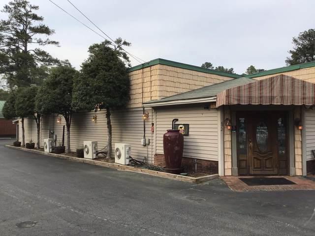 672 SW Broad Street Street, Southern Pines, NC 28387 (MLS #205346) :: Towering Pines Real Estate