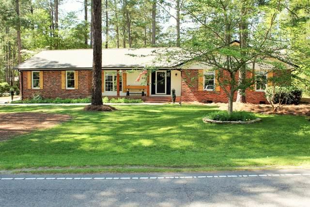 225 Lake Forest Drive, Pinehurst, NC 28374 (MLS #205414) :: Towering Pines Real Estate