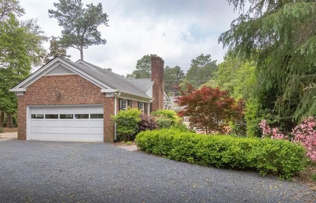 35 Laurel Road, Pinehurst, NC 28374 (MLS #205651) :: Towering Pines Real Estate