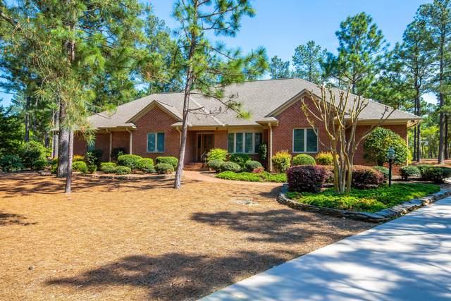 17 Lasswade Drive, Pinehurst, NC 28374 (MLS #205667) :: Towering Pines Real Estate