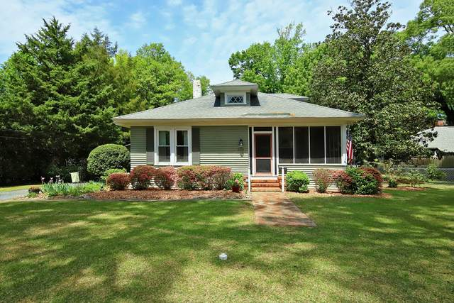 330 S Ashe Street, Southern Pines, NC 28387 (MLS #205681) :: Pinnock Real Estate & Relocation Services, Inc.