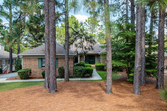 36 Highland View Drive, Southern Pines, NC 28387 (MLS #205904) :: Towering Pines Real Estate