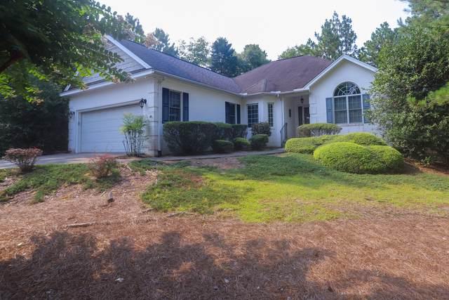 10 Lake Hills Road, Pinehurst, NC 28374 (MLS #207175) :: Towering Pines Real Estate