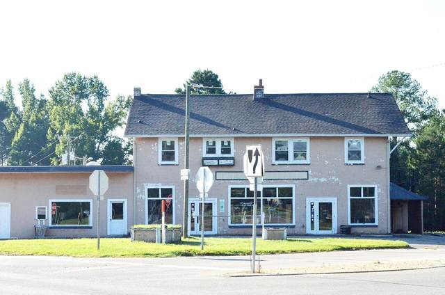 3196 Vass-Carthage Road, Whispering Pines, NC 28327 (MLS #207612) :: Towering Pines Real Estate