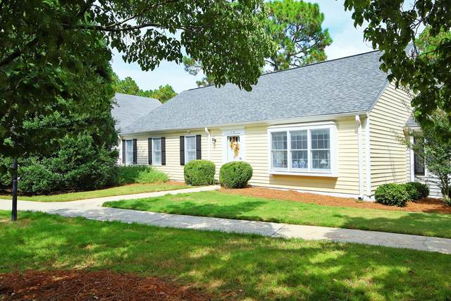 14 Village Green Circle, Southern Pines, NC 28387 (MLS #208126) :: Towering Pines Real Estate