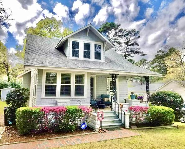 240 E Connecticut Avenue, Southern Pines, NC 28387 (MLS #201120) :: Pinnock Real Estate & Relocation Services, Inc.