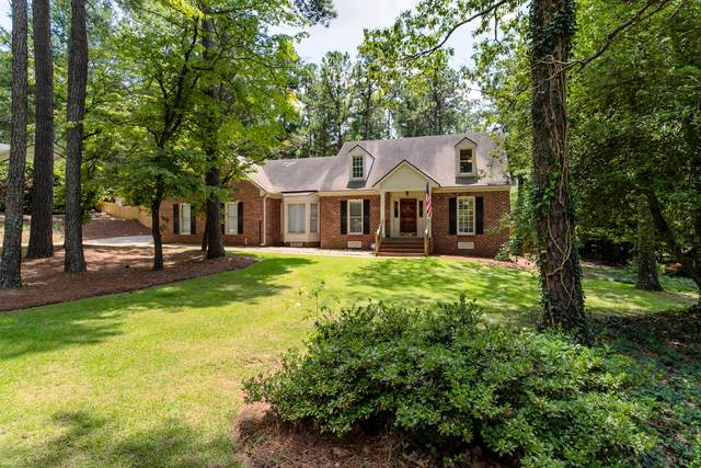 210 W Hedgelawn Way, Southern Pines, NC 28387 (MLS #201391) :: Pinnock Real Estate & Relocation Services, Inc.