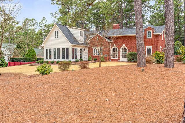 155 Crest Road, Southern Pines, NC 28387 (MLS #204551) :: Pinnock Real Estate & Relocation Services, Inc.