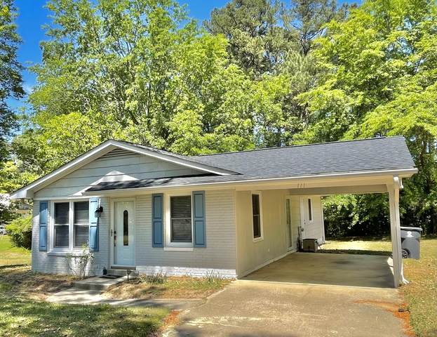 111 Holiday Street, Southern Pines, NC 28387 (MLS #205043) :: Towering Pines Real Estate