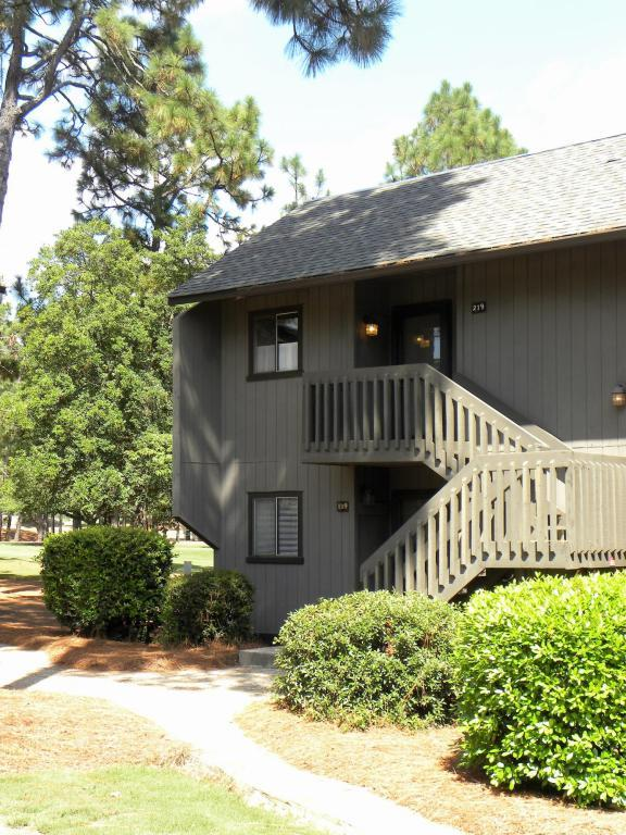 800 St. Andrews Drive #219, Pinehurst, NC 28374 (MLS #183841) :: Weichert, Realtors - Town & Country