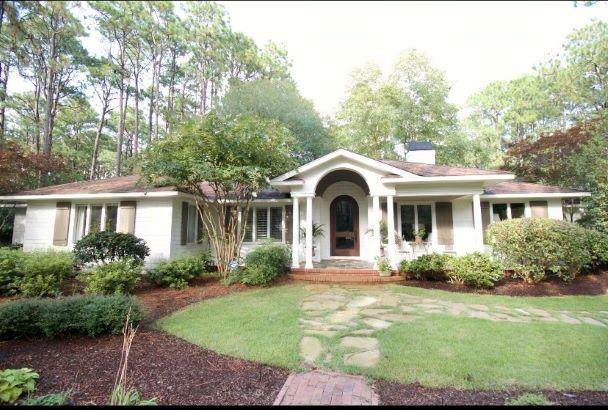 333 Laurel Road, Southern Pines, NC 28387 (MLS #202899) :: Pines Sotheby's International Realty
