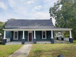 509 Champlain Street, Hamlet, NC 28345 (MLS #202947) :: Pinnock Real Estate & Relocation Services, Inc.