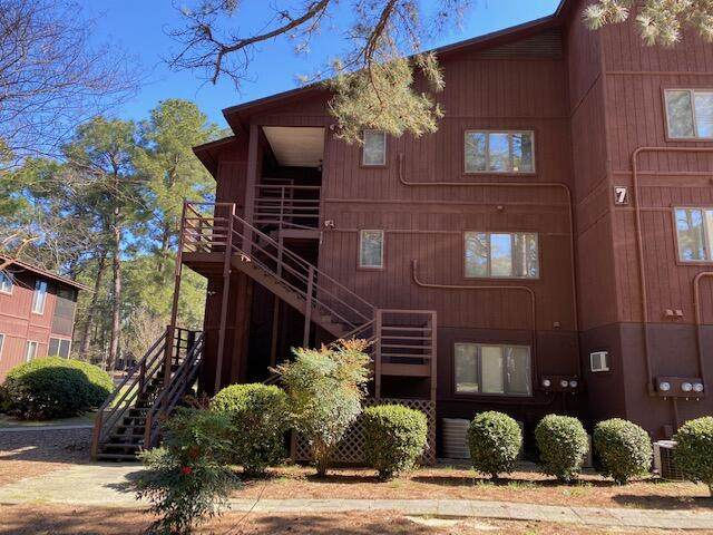 703 Dover Street, Southern Pines, NC 28387 (MLS #205263) :: Pinnock Real Estate & Relocation Services, Inc.