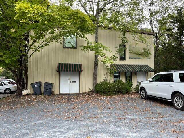 133 W Vermont Avenue, Southern Pines, NC 28387 (MLS #208446) :: Pinnock Real Estate & Relocation Services, Inc.