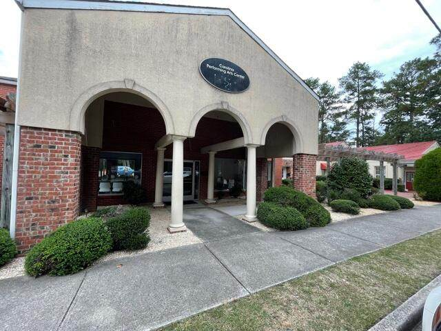 670 SW Broad Street, Southern Pines, NC 28387 (MLS #208467) :: EXIT Realty Preferred