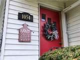 1054 Crest Drive - Photo 3